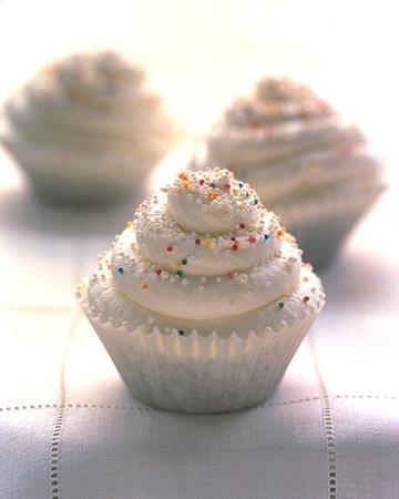 White_cupcakes